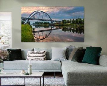 Zonsondergang bij de Walfridusbrug van Henk Meijer Photography
