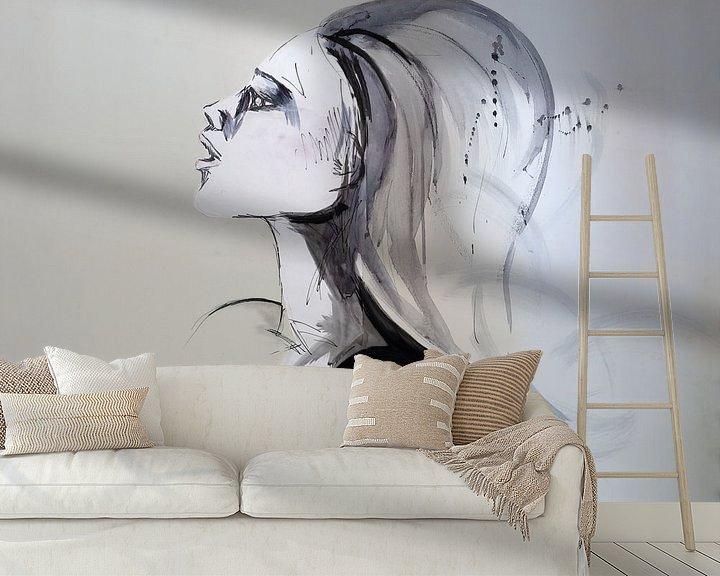 Sfeerimpressie behang: Kunstwerk van een vrouwenhoofd van W J Kok