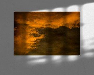 Orangefarbene Wolken von Niek Traas
