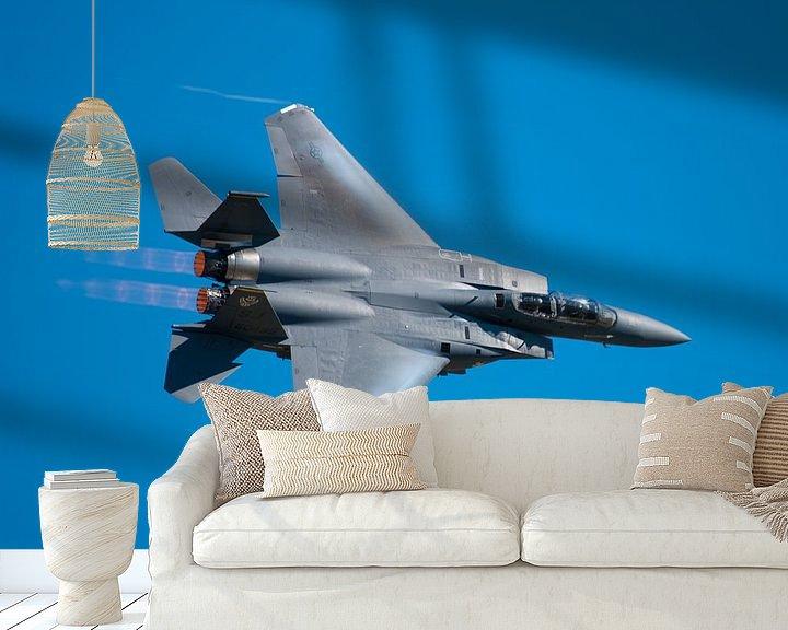 Sfeerimpressie behang: Strike Eagle F-15 fly by van Bob de Bruin