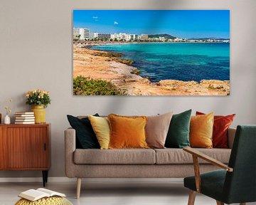Toeristische badplaats Cala Millor strand, Mallorca, Spanje Balearen van Alex Winter