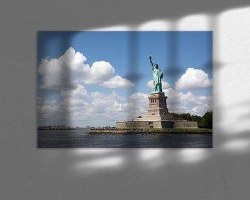 Vrijheidsbeeld voor wolkenlucht van Gerrit de Heus