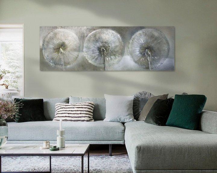 Beispiel: Drei Pusteblumen im weißen Licht von Annette Schmucker