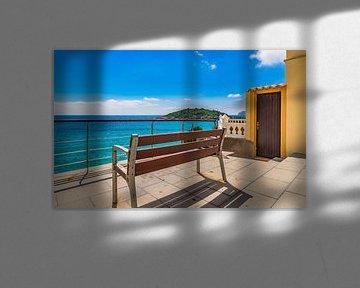 Prachtig eilandlandschap, zeezicht van de kustbaai in Sant Elm, Mallorca, Spanje Balearen van Alex Winter