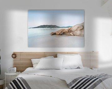 Zonsopkomst in de baai van Santa Giulia, Corsica van Margreet Riedstra