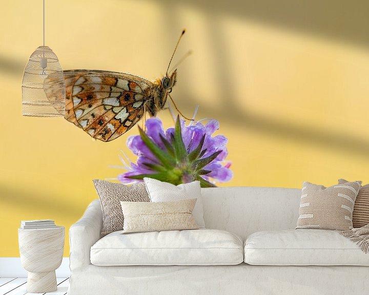 Sfeerimpressie behang: Zilveren maan vlinder van Erik Veltink