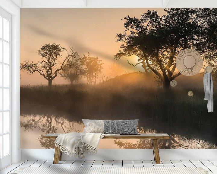 Sfeerimpressie behang: Gouden licht tijdens een magische ochtend op het Werk aan de Groeneweg 3 van Jeroen de Jongh