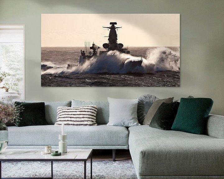 Sfeerimpressie: Fregat in de golven - part III van Alex Hiemstra