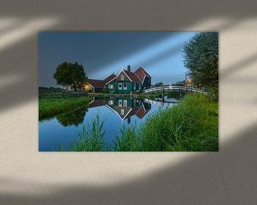Zaanse Schans, maison et pont se reflétant dans l'eau sur Ad Jekel