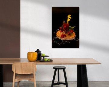 Tomato wodka cocktail met selderij en trostomaten. van Babetts Bildergalerie