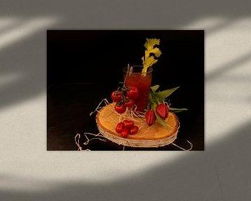 Tomato wodka cocktail met selderij en trostomaten van Babetts Bildergalerie