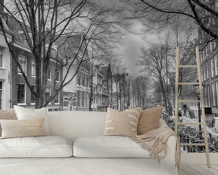 Sfeerimpressie behang: Oude Zijds Achterburgwal in Amsterdam. van Don Fonzarelli