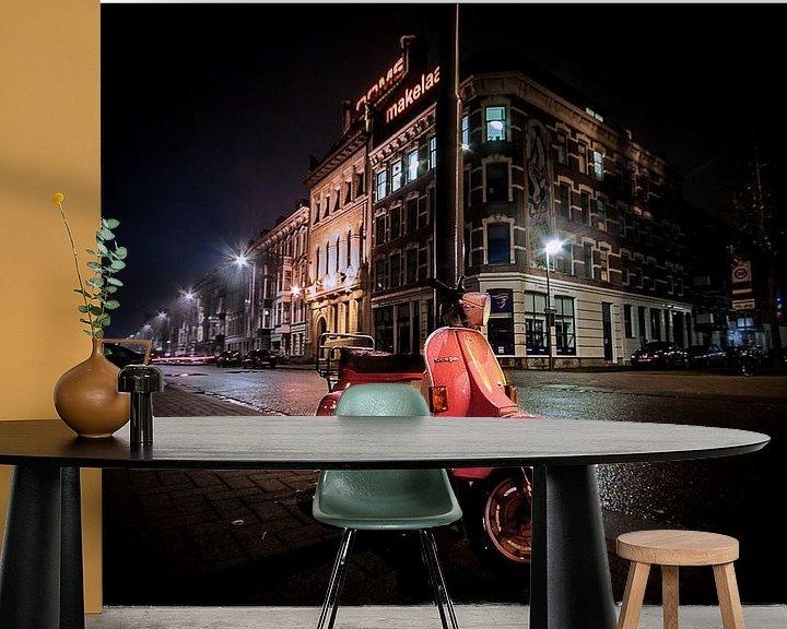 Sfeerimpressie behang: Pink scooter van Henk Langerak