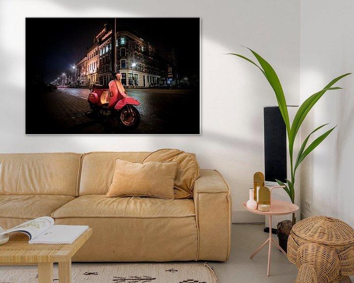 Sfeerimpressie: Pink scooter van Henk Langerak