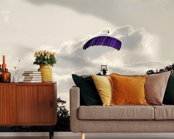 Sfeerimpressie behang: Parachutist van Anjo ten Kate