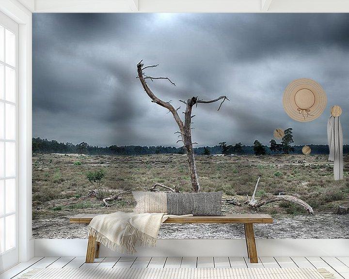 Sfeerimpressie behang: Eenzame boom van Jan Brand