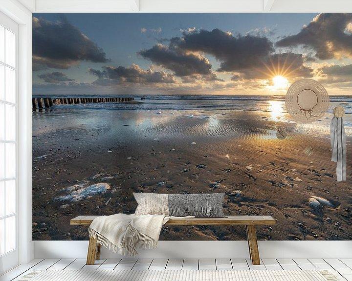 Sfeerimpressie behang: Zonsondergang op het strand van Ameland van Ron Buist