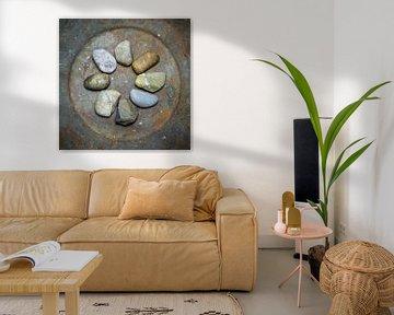 Een cirkel van kiezelstenen. van Danny den Breejen