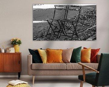 Deux chaises de rue (photo grand écran) [monochrome]. sur Norbert Sülzner