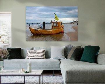 Vissersboot op het strand van Ahlbeck (eiland Usedom) van t.ART