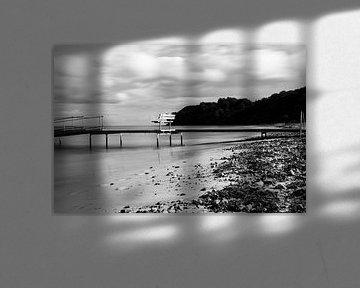 De eenzame bankje op het strand van Tina Linssen