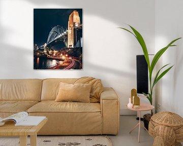 De Brug van de haven die in de Nacht gloeit van Milan Markovic