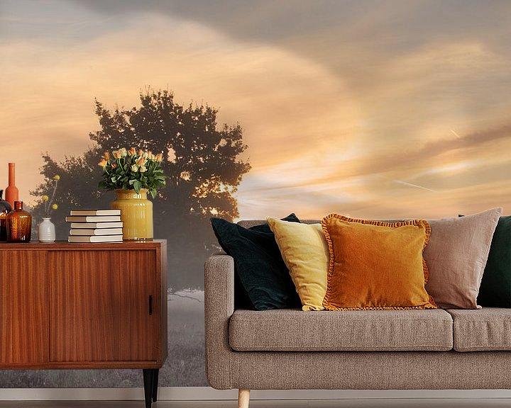 Sfeerimpressie behang: Mistige zonsopkomst van Art Wittingen