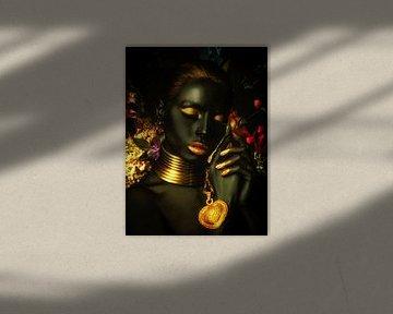 Golden girl with flowers van Werner van Beusekom
