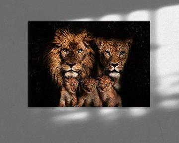 Leeuwen familie met 3 welpjes van Bert Hooijer