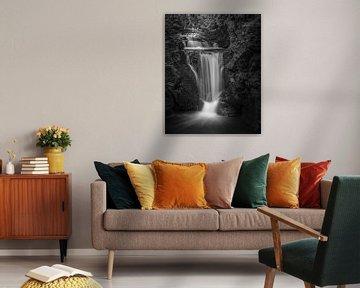 Geroldsauer waterval in zwart-wit