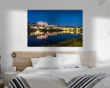 De Loire en het kasteel van Amboise bij zonsondergang, Amboise, Frankrijk   Het Ch�teau d'Amboise en van Peter Schickert