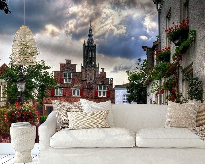 Sfeerimpressie behang: Bloemendalse Binnenpoort historisch Amersfoort van Watze D. de Haan