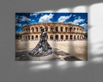 Statue Stierkämpfer und römisches Amphitheater in Nimes  Provence Frankreich von Dieter Walther