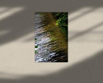 Stromend water 2 van Paul Emons