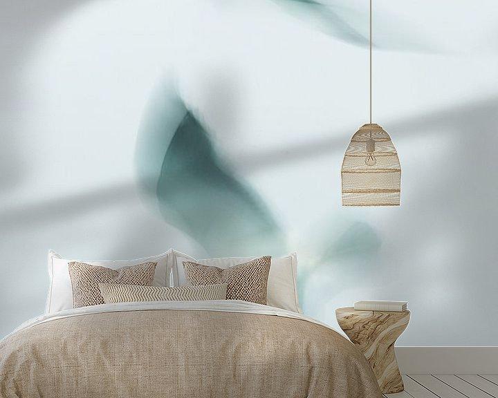 Sfeerimpressie behang: Zeemeeuw in vogelvlucht. van KO- Photo