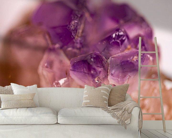 Sfeerimpressie behang: Paarse amethist van dichtbij van 2BHAPPY4EVER.com photography & digital art
