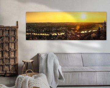 Ligne d'horizon de Dresde avec le pont de Loschwitz au coucher du soleil sur Frank Herrmann