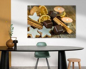 Advent en Kerstmis samenstelling van stervormige koekjes van Alex Winter