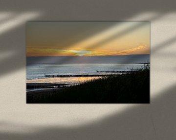 Zonsondergang vanuit duinen van Dishoek van Eugenlens