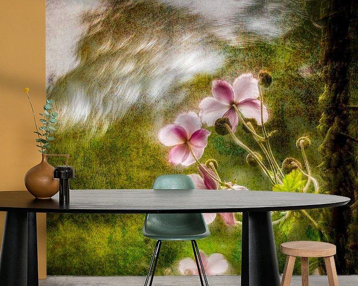 Sfeerimpressie behang: lovely flower van Dick Jeukens