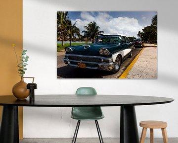 Cubaanse auto met kenteken MDA 911 (kleur)
