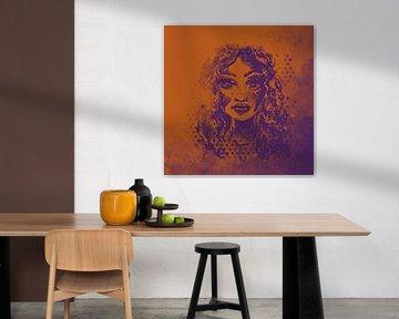 Dessin orange et violet - femme aux cheveux bouclés sur Wanddecoratie