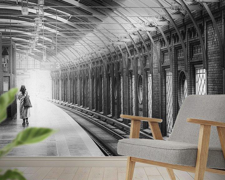 Sfeerimpressie behang: Berlijn Hackescher Markt Station van Frank Andree