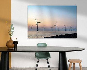 Windmolens voor de kust van Flevoland tijdens zonsondergang van Sjoerd van der Wal
