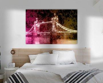 Digital-Art Tower Bridge by Night II von Melanie Viola