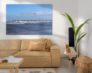 Kitesurfer en wild water