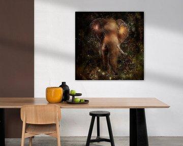 Gouden olifant mixed media van John van den Heuvel