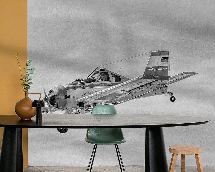 Beispiel fototapete: PZL-106 Kruk am Himmel in schwarzweiß von Tilo Grellmann   Photography