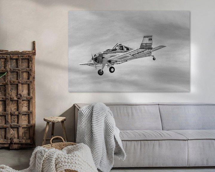 Beispiel: PZL-106 Kruk am Himmel in schwarzweiß von Tilo Grellmann   Photography