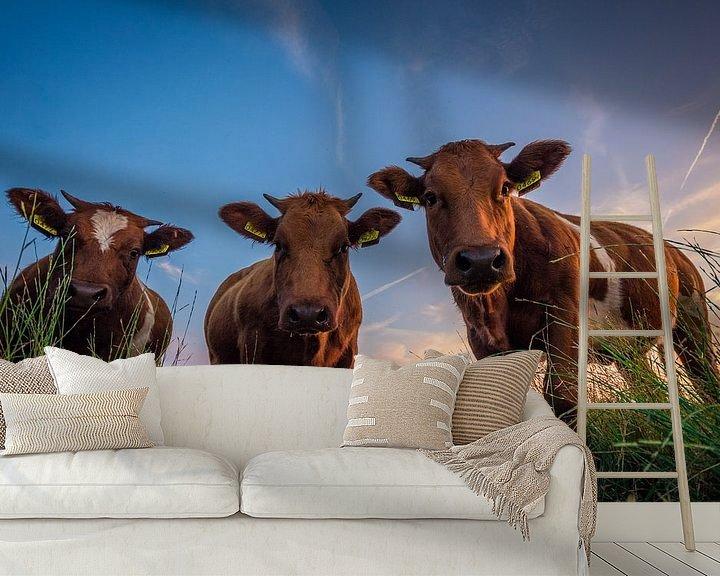 Sfeerimpressie behang: Koe-keloeren van Martijn Barendse